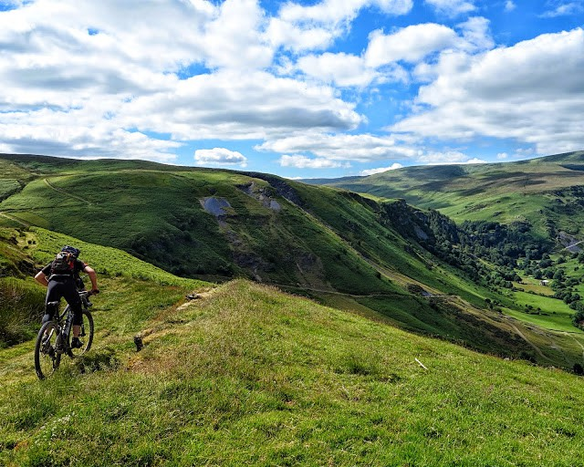 High up on the Wayfarer Classic route mountain bike route